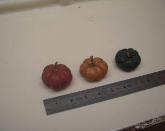 Pumpkin 1/12th miniature feast for Dollhouse - 3 possible colors