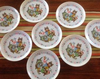 Mid Century Melanine Toddler Plates, Kitten Motif