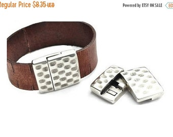 35% OFF Hammered Magnetic 20MM Clasp - Flat Leather Clasp - Antique Silver - Sterling Silver Plating Finding Qty. 1