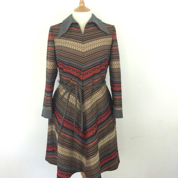 Mod dress chevron striped A line jersey polyester knit tartan UK 16 18 1970s dagger collar grey brown red black scooter girl