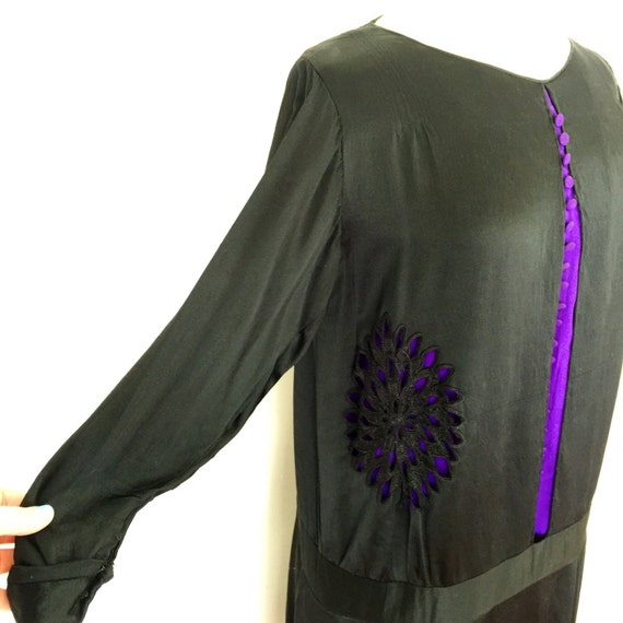 1920s dress black and purple silk dress drop waist UK 12 14 original Bourne and Hollingsworth cutaway design 20s
