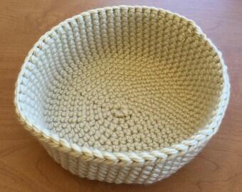 Crocheted bowl - ivory