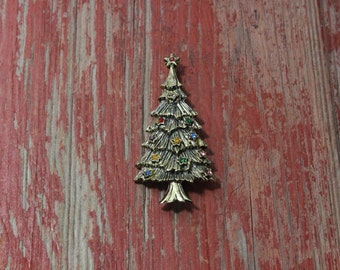Vintage Christmas tree brooch with multi-colored stones, beautiful vintage costume holiday pin