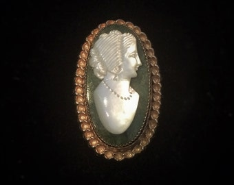 Vintage Catamore Gold Filled Shell Cameo On Chrysoprase Gem Stone Brooch