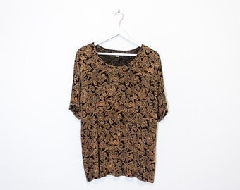 on sale - black & gold paisley t-shirt / short sleeve loose slinky top / size XL