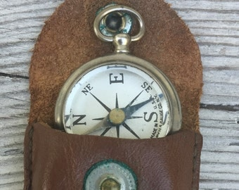 working antique COMPASS w leather sheath, US Gauge company N.Y. ,WW1, Pocket Compass, glass top,  pocket watch fob,  steampunk pendant e29