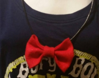 Bow necklace size small/medium