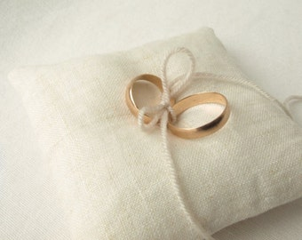 Linen Wedding ring pillow. Ring Bearer Pillow. Ring Pillow. READY TO SHIP