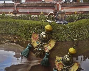 Asian tribal earrings - Chinese - earrings earrings Bohemians vintages - PomPoms - FUJIGIRLS