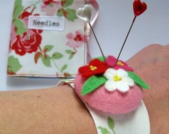 Needlecase and Wrist Pin Cushion Gift Set in Retro Roses Cotton Print