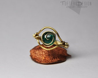 the legend of zelda kokiri emerald ring, adjustable ring size, zelda ring, kokiri ring, ocarina of time, gaming ring, nintendo jewelry, loz