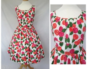 1950s Cotton Dress, Floral Day Dress, Full Circle, UK size 12-14, US size 10-12.