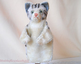Steiff cat hand puppet, vintage, made 1950 – 64, grey white tabby mohair cat glove puppet, old collectible animal puppet for puppet theatre