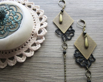 """Earrings """"L'éclatante"""" black lace and brass"""
