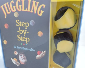 Juggling Step by Step Book & Gift Set | Learn to Juggle Guide with 3 Juggling Balls | Vintage 1990's Game Trick Set | GreenTreeBoutique