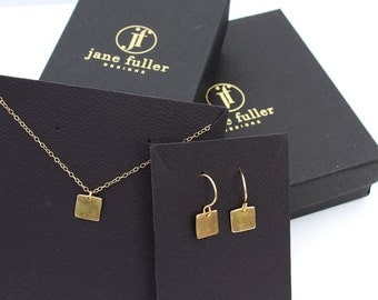 Gold necklace and earrings set. 14k solid gold square pendant and earrings.  Matching jewelry. Solid gold necklace. 14k gold earrings.