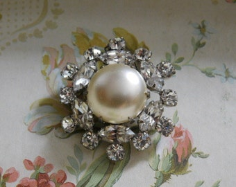 Christmas in July Sale - Vintage Rhinestone and Pearl Pendant