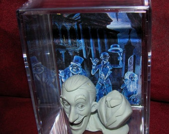 """Haunted Mansion Collectible Bust Display """"Unique"""" GRT Addtion to a Collection!! (Blue Bust))"""