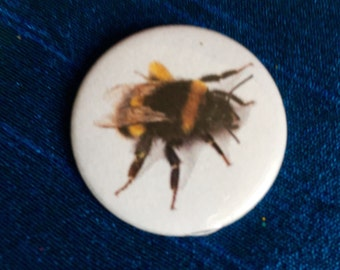 Bumble Bee 25mm Pinbadge