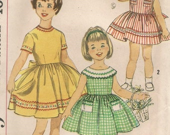 UNCUT 3418 Simplicity Sewing Pattern Girls Dress Full Gathered Skirt Size 5 Vintage 1960s