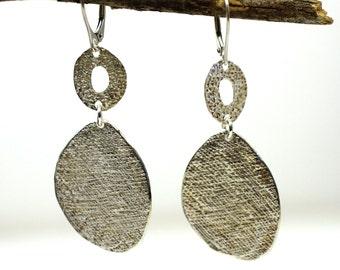 Big silver earrings. Fashion jewelry. Silver jewelry. Dangling earring. Impresive earrings. Bold earrings. Evening jewelry. Silver earrings