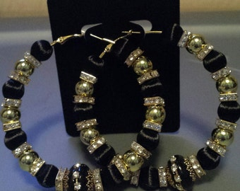 Basketball wives/Poparazzi inspired gold and black hoop earrings