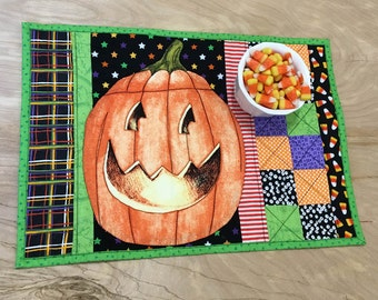 Quilted Halloween Place Mat, Patchwork Pumpkin Centerpiece, Orange, Black and Green Candle Mat or Snack Mat