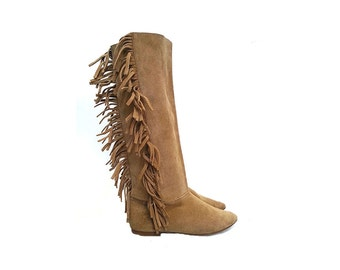80s SLOUCHY suede pokahonta tall flat BOOTS with fringes tassels indian pointed toe boho bohemian gipsy // Size 8 us / 5.5 uk / 38.5 eu