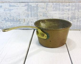Copper Sauce Pan Vintage Housewares Chefs Cookware Pots and Pans Farmhouse Chic Kitchen Decor Brass Handle Copper Pan