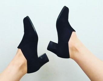 Black Suede Loafers | 6.5 US / 37 Eur / 4.5 UK | Women's | Stacked Heel | Minimal | Leather | Avant Garde | Shoes | Vintage | Folk