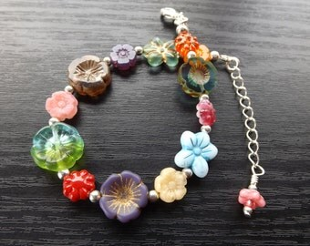 Bits and Bobs Czech Glass Flower Bracelet