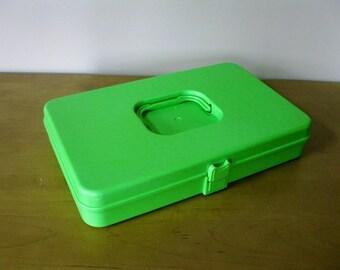 Vintage 1970s thread box - Wilson Wil Hold - LIME GREEN plastic-sewing storage- craft storage - bobbin case -Wilson Mfg Corp -sewing box