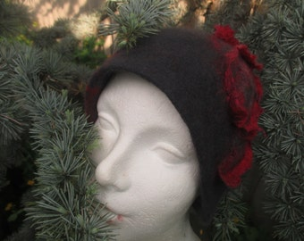 Felted Hat Cloche ,Cloche wool hat retro Шляпа клош из шерсти. Шляпка войлочная  клош  с розой.
