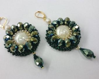 Beaded jewelry, earrings , Dark green earrings, Beaded earrings, Unique earrings, Handmade Earrings, Beaded Dangle earrings,sparkle earrings