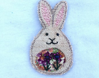 Fabric bunny brooch in beige and pink