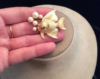 Vintage Goldtone Fish Faux Pearl Pin