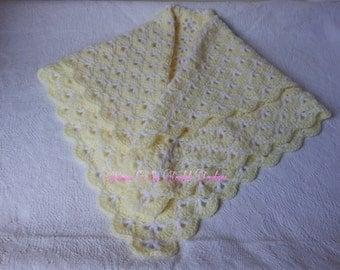 "Beautiful shell baby blanket in lemon & white 26""x 26"""