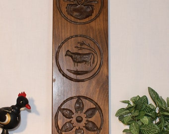 Carved wood kitchen decor, measures 15 inches tall by 5 inches across, folk kitch