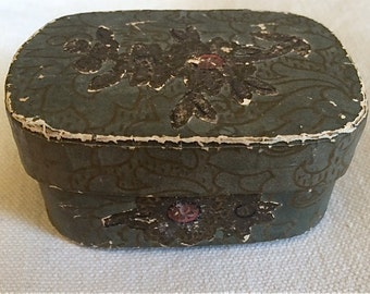 Early Wallpaper Box