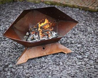 Sphenomegacorona Barbecue and Fire Pit with Removable Grill