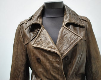 Vintage WOMEN'S LEATHER JACKET , leather blazer ....(014)
