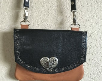 Sweetheart hip purse