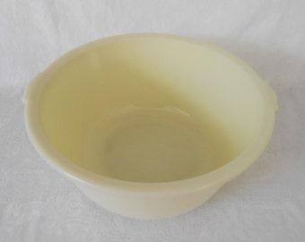 McKee Custard Fine Rib Mixing Bowl