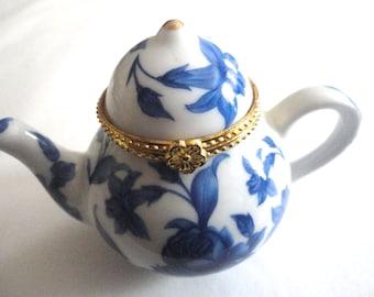 Blue and White Tiny Teapot; Teapot Trinket Box, Teapot Collector, China Trinket Box, Collectible Teapot, Tea Lovers, American Girl Doll Size