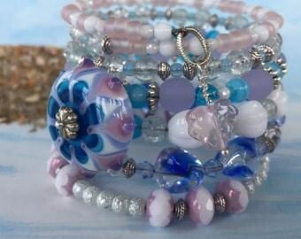 Memory Wire Wrap Bracelet / Handmade Bracelet / Beachy Jewelry / Czech Glass Bracelet / Layering Bracelet / Ocean Blue Bracelet