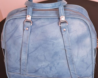 American Tourister Luggage  - Overnight bag  - vintage bag  - vintage luggage  - Circa 1960  - vintage purse