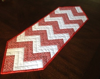 Red and White Peppermint Table Runner/Christmas Quilted Table Runner