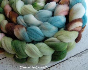 SW Targhee 'Earth & Sky' colorway 4 oz spinning fiber, superwash wool spinning fiber, hand dyed roving, superwash roving, brown, green, blue