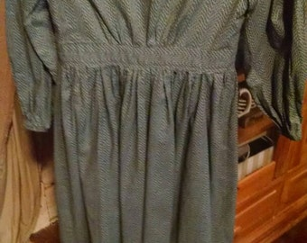 Girls civil war Victorian prairie dress. Size 10