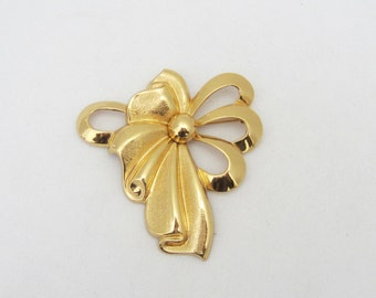 Vintage Jewelry Gold Tone Flower Pin Brooch